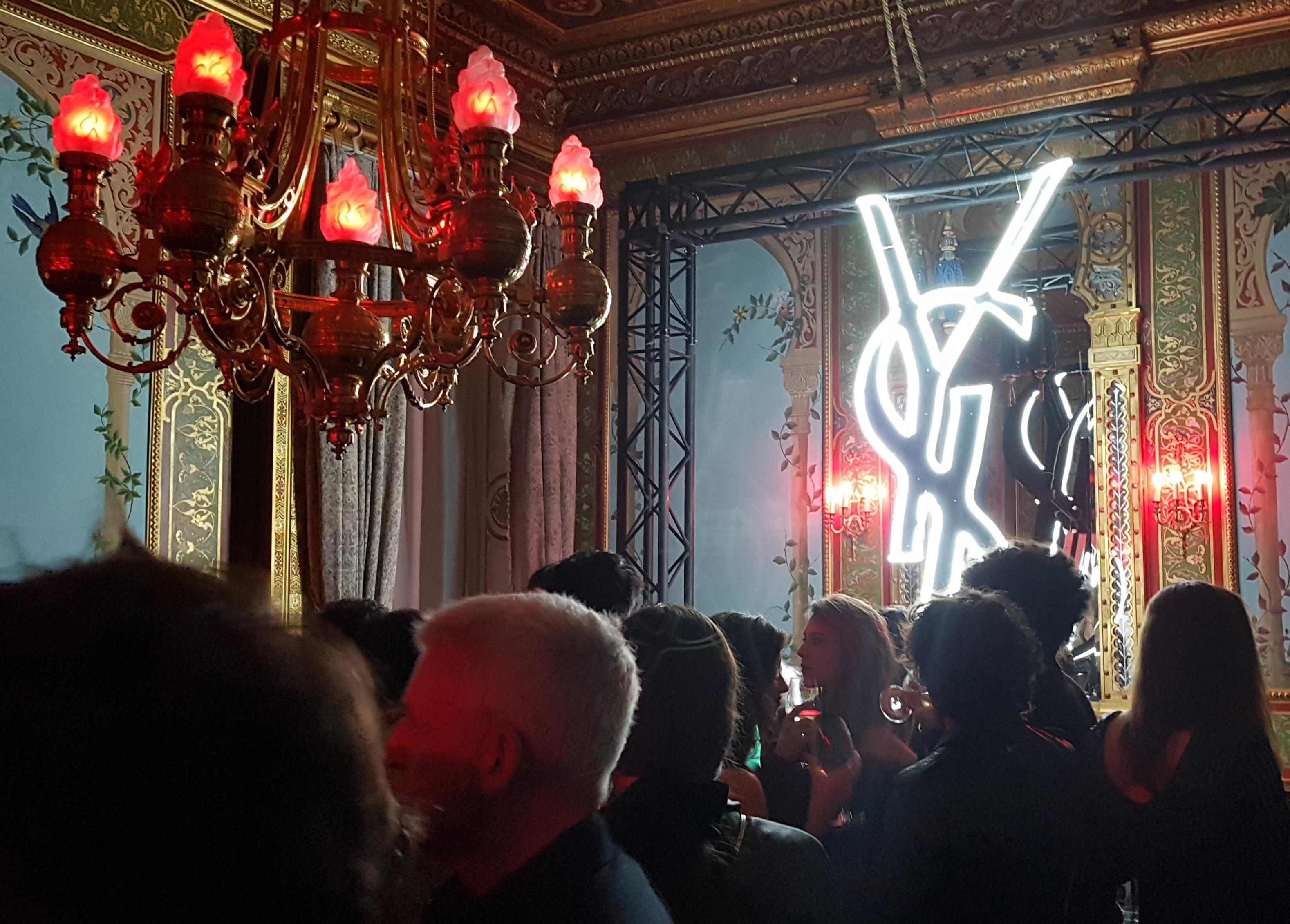 YSL tiñó de rojo el Palacio de Santoña